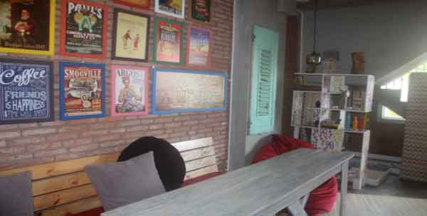 Relax in out cafe - Shelter Hostel Malang